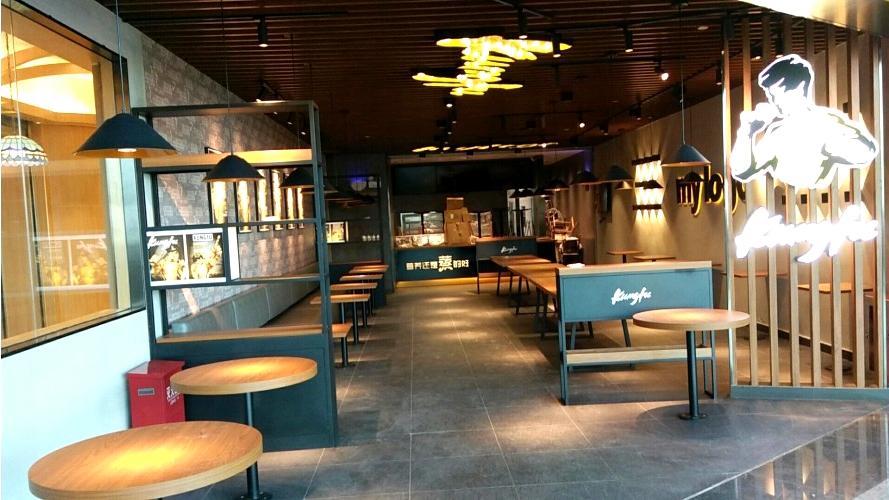 快餐店到底怎么搭配桌椅才好?